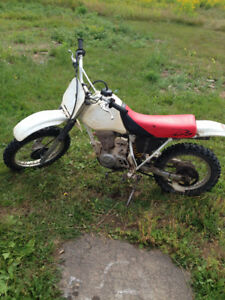 1998 Honda XR80 R Dirt bike Runs Great! NEW Chain & Sprockets.