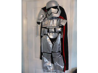 Official Disney Captain Phasma Storm Trooper Star Wars Kids Costume 9-10 year BNwWT NEW