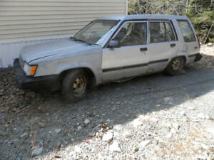 Toyota Tercel Wagon for sale (not roadworthy)..many extra parts