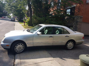 1999 Mercedes-Benz E-Class E350 4 matic Sedan