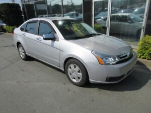 2009 Ford Focus AUTO SEDAN WITH ONLY 156K