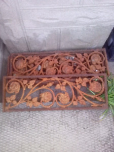 Cast Iron Metal Pieces