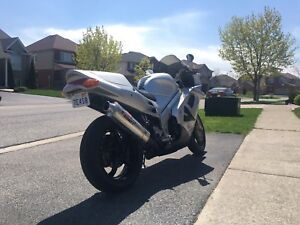 1996 honda vfr750 need gone asap