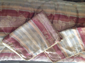 Comforter and accessories for queen bed