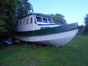 40 foot steel trawler / houseboat