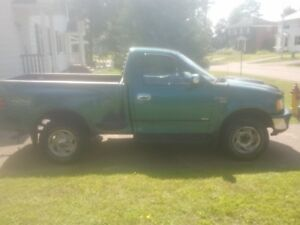 1997 Ford F-150 Pickup Truck (Deep River)