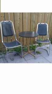 Small round Table with 2 chairs