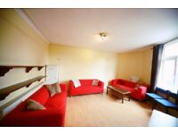 Large Furnished DBL Bedroom with bills included and communal cleaner! Avail NOW