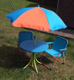 Kids Garden Table with Parasol & 2 chairs