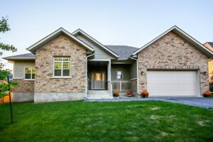 NEW LISTING : 1277 WESTBROOK RD ** SPECTACULAR HOME !!