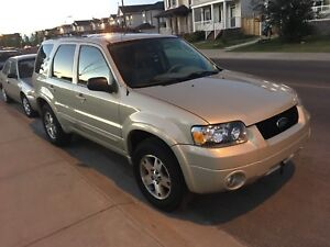 2005 ford escape LE!!low km!! 137,000 only