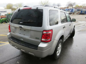 Extremely clean & cared for 2011 Ford Escape Xlt SUV, Crossover