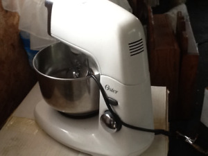 Thanksgiving and Christmas baking new Oster 5 quart mixmaster