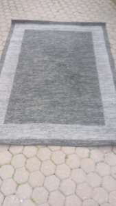 Grey & black carpet - very good condition!