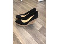 Forever 21 black wedge heel shoes size 3
