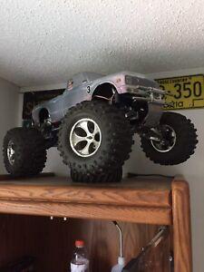Fully custom mgt 4.60 nitro rc truck