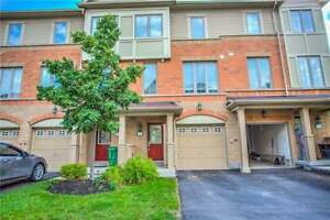 Executive Townhouse At The Border Of Mississauga And Brampton