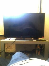 32 inch toshiba flat screen with free view