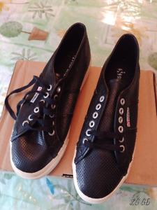 New Chaussures Cuir Femmes Superga Doubles Semelles 9.5 Neuves