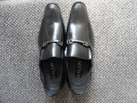 mens shoes size8 brand new in black by goor