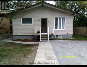 2 bedrooom house for rent