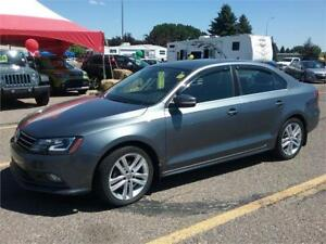 2015 VW Jetta TDI HIGHLINE   ** LEATHER-SUNROOF-NAVIGATION **