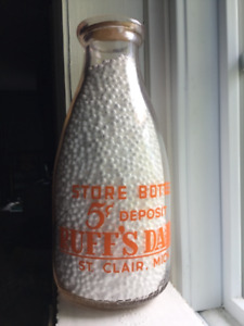 1940's RUFF'S DAIRY - ST.CLAIR, MICHIGAN Dairy Bottle