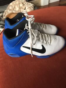 Nike basketball shoes men's size 7