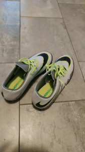 Size 11 Nike Hypervenom Indoor Soccer Shoes / Cleats