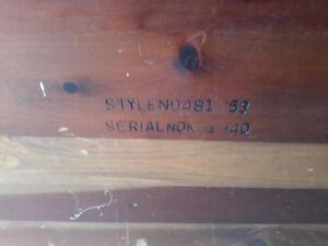 19 400 Lane Cedar chest