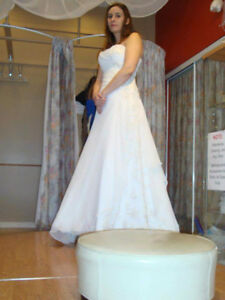 Wedding dress a line