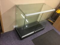 Glass cabinet in excellent condition