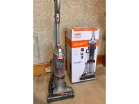 Vax U86-E2-Be Upright Vacuum, lightweight, great condition!