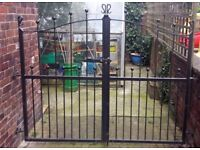 """Heavy Duty Wrought Iron Driveway Gates to fit 90"""" opening """"gap"""" brick to brick £150 OVNO"""