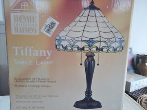 NEW Stained Glass Tiffany Table Lamp
