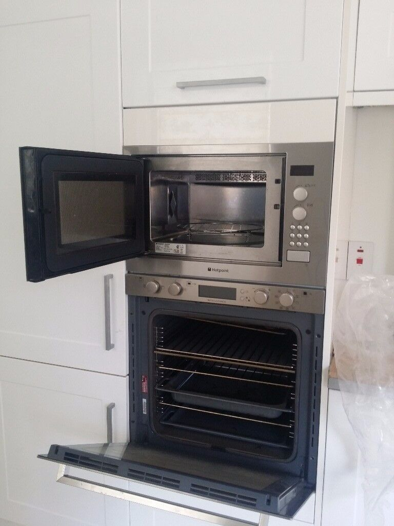 Hotpoint Integrated Microwave Oven
