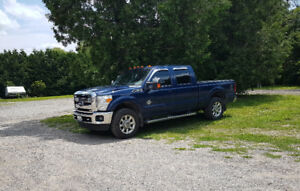 2011 Ford E-250 Pickup Truck (Lariat)