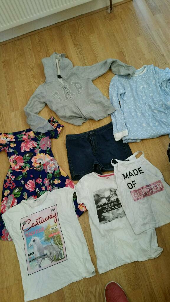 Girls age 11 to 13 years bundlein Hull, East YorkshireGumtree - Girls age 11 to 13 years bundle all like new all good makes £3 the lot collection only thankyou