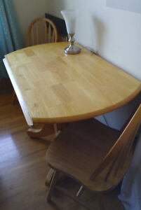 Round Drop-Leaf Table with 4 Chairs