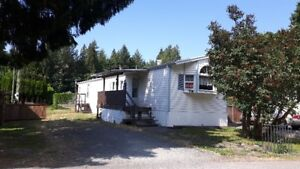 LOVELY SPACIOUS MOBILE IN YEAR ROUND PARK-QUICK POSSESSION