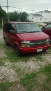 2000 Chevrolet Astro Minivan, Van