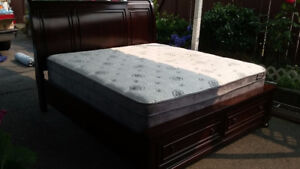 @@@Beautiful King Size Wooden Bed Set for Sale@@@