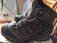 Mens Walking Boots Size: 11.5; Salomon Quest 590606 ,4D GTX Goretex;