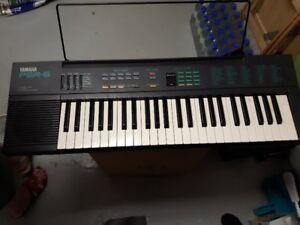 Clavier Yamaha PSR-6 Synthétiseur piano