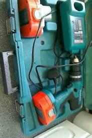 Makita 18 volt cordless hammer drill
