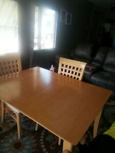 """Dining Room Table and Hutch for sale. With leaf 5x3x2'6"""" Without"""