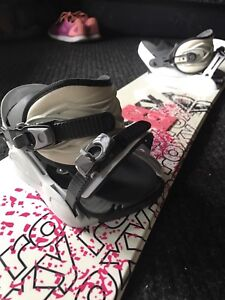 ROXY snowboard with goggles !!!!