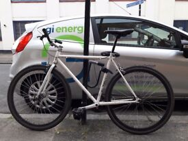Single speed fixie, good condition with Continental Catorskin tyres, lock not included