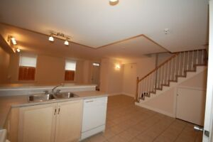 Beautiful, 3 Bdrm Townhouse in Waterford Suites-Avail in NOW!