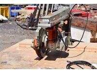 Radial arm crosscut saw, Single phase 240v. DeWalt.